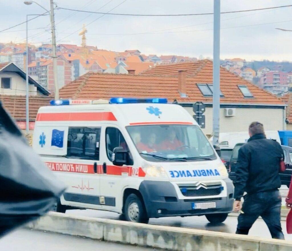 Возило Хитне помоћи, фото: Нишке новине
