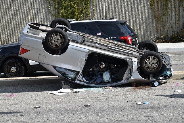 У саобраћајној несрећи повређена два мушкарца