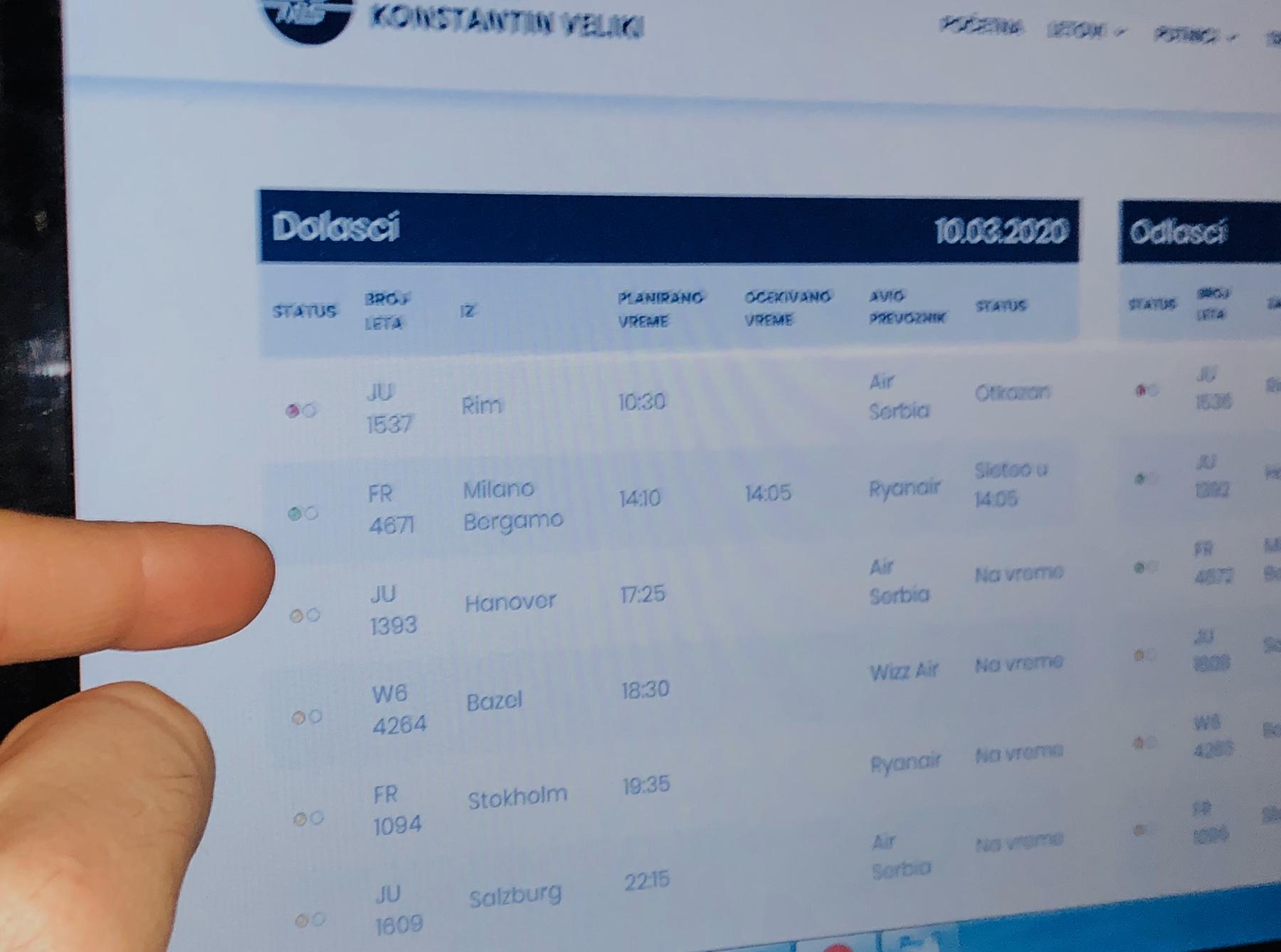 Преглед сајта ,,Аеродроми Србије'', фото: Нишке новине