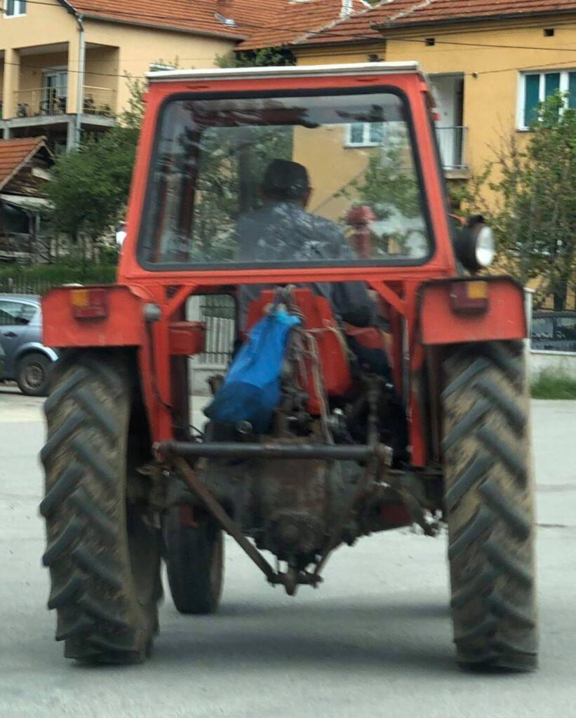 Трактор, фото: Нишке новине, архива