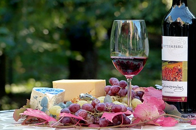 Вино, илустрација, фото: pixabay.com